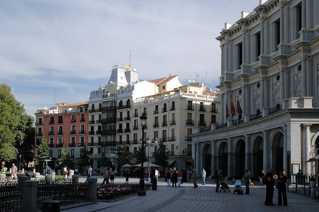 1. La madrileña Plaza de Oriente. Autor, Doug
