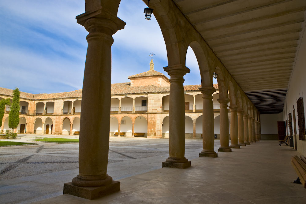 Santuario de Ntra. Sra. de la Antigua. Villanueva de los Infantes. Autor, Pablo G. Sarompas
