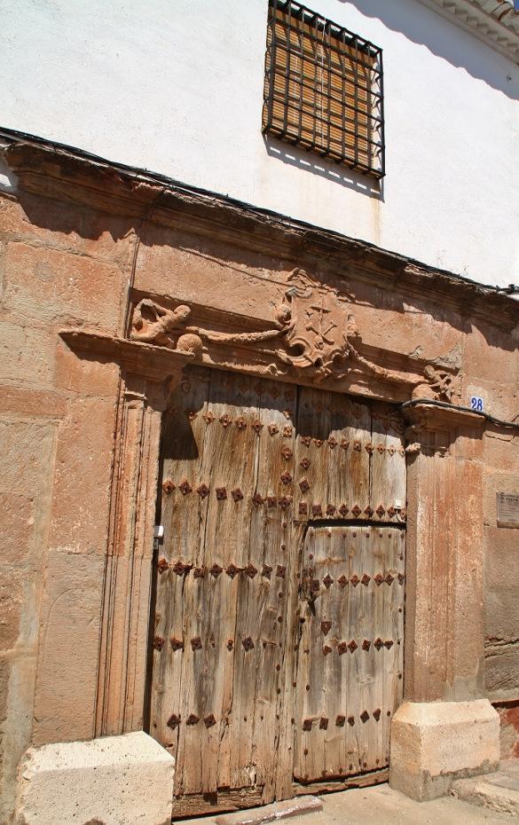 Portada con escudo del Santo Oficio. Casa de la Inquisión en Villanueva de los Infantes. Autor, J.A. Padilla