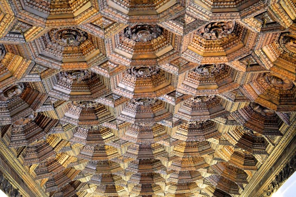 Artesonado del refectorio en el interior del Monasterio de Uclés