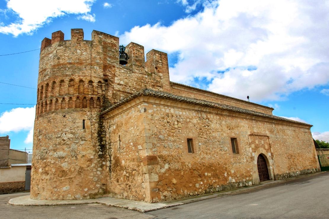 Iglesia fortificada de Arenas de San Juan