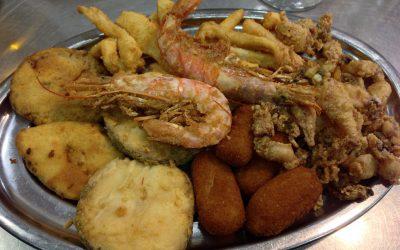 A las ricas delicias de Cádiz, o ¡una de pescaíto frito!