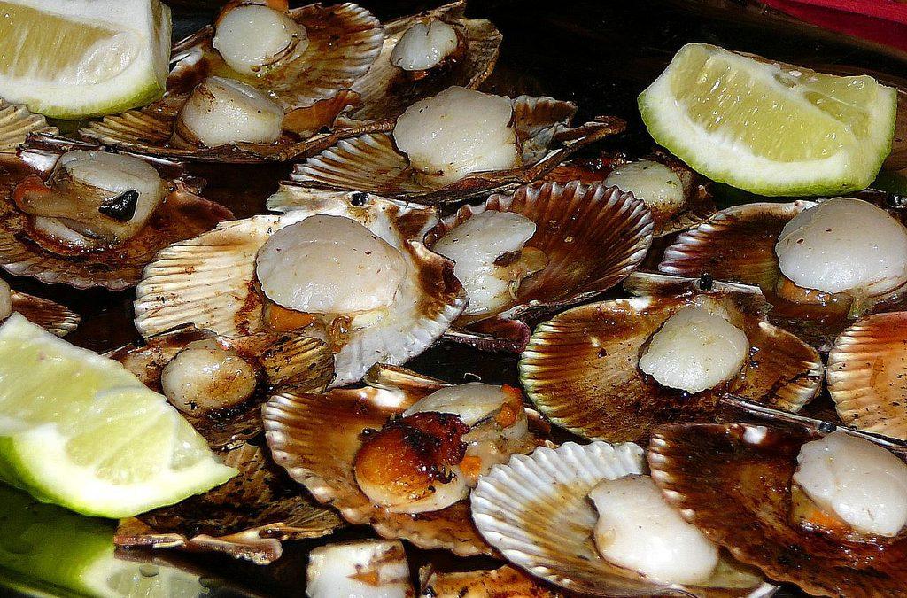 Entre vieiras, chuletones y albariños. Las fiestas gastronómicas de julio en Galicia
