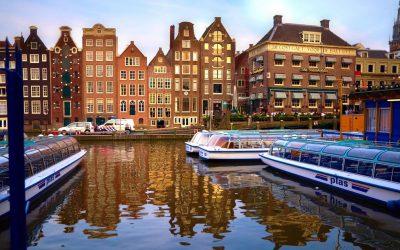La Serenissima del Mar del Norte, Un paseo por los canales de Ámsterdam