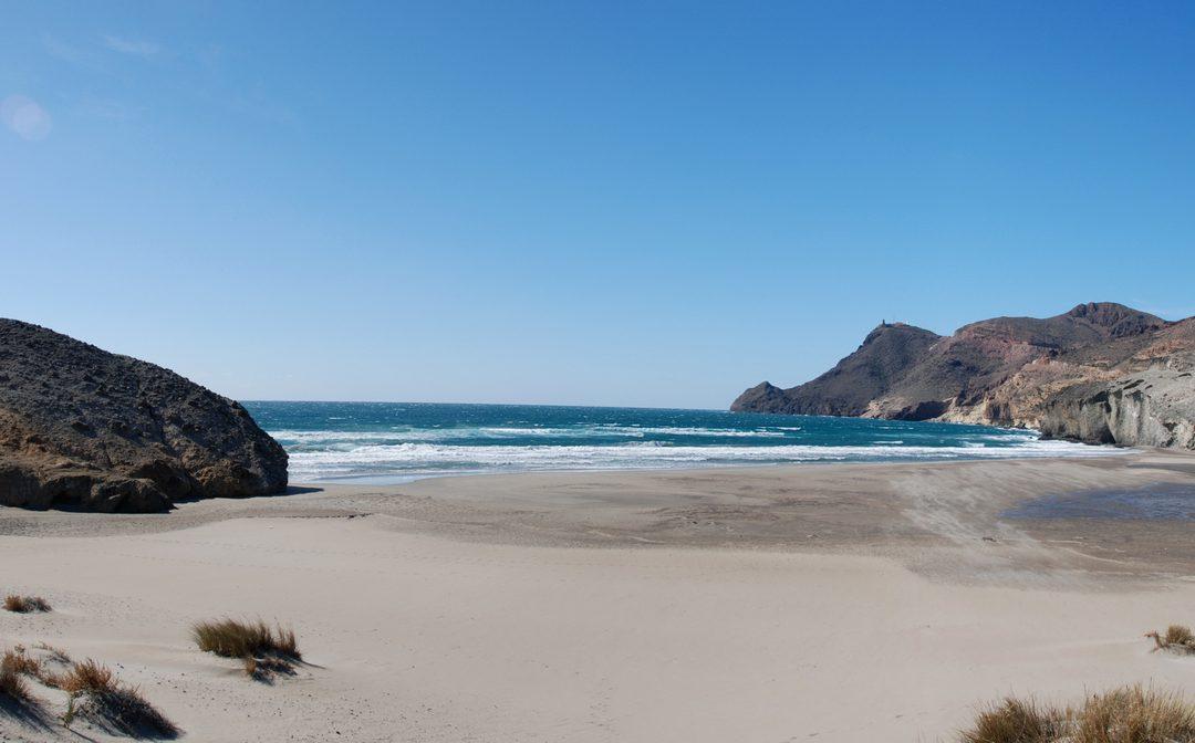 En la época de los baños de mar. La aventura de ir a la playa con corsé (2ª parte)