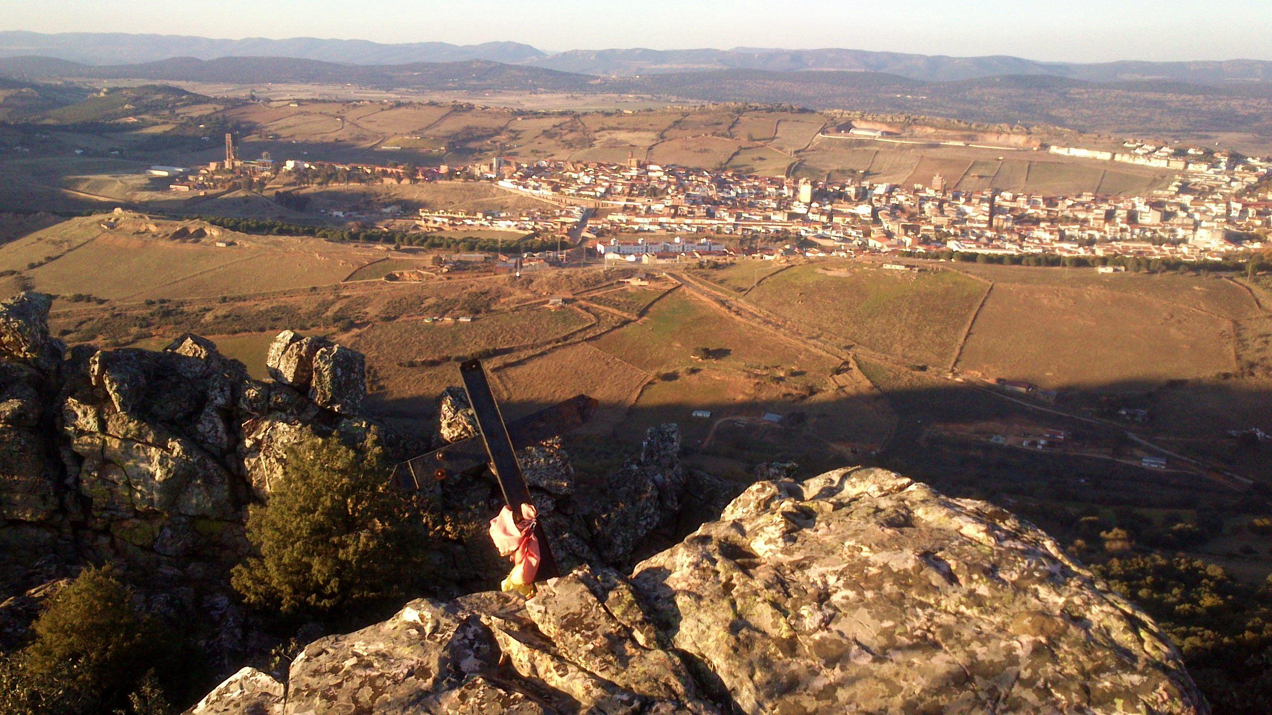 Almadén desde la Cruz de los Mineros. Autor, rutasdelmercurio.wordpress.com