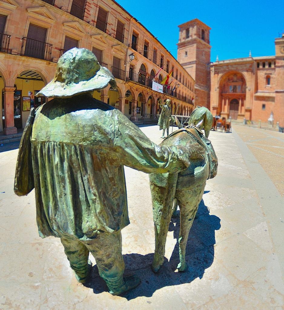 Sancho Panza en la plaza Mayor de Villanueva de los Infantes. Autor, Stephen Haworth
