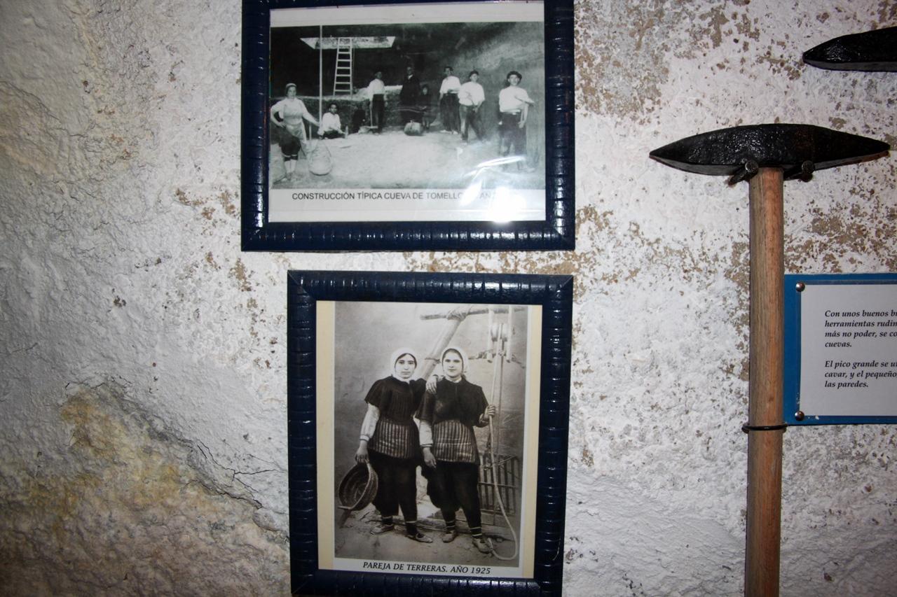 Los arquitectos y arquitectas de las cuevas. Turismo Ocio e Idiomas Saber Sabor