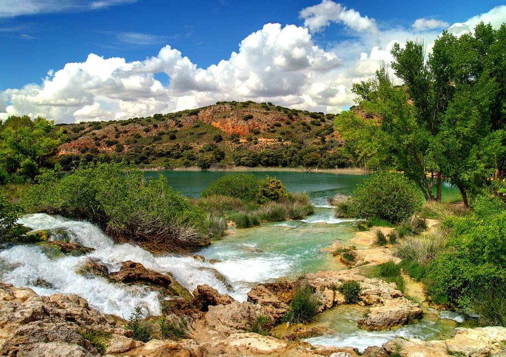 Damas y Caballeros. Lagunas de Ruidera. Autor, Michel Hernández
