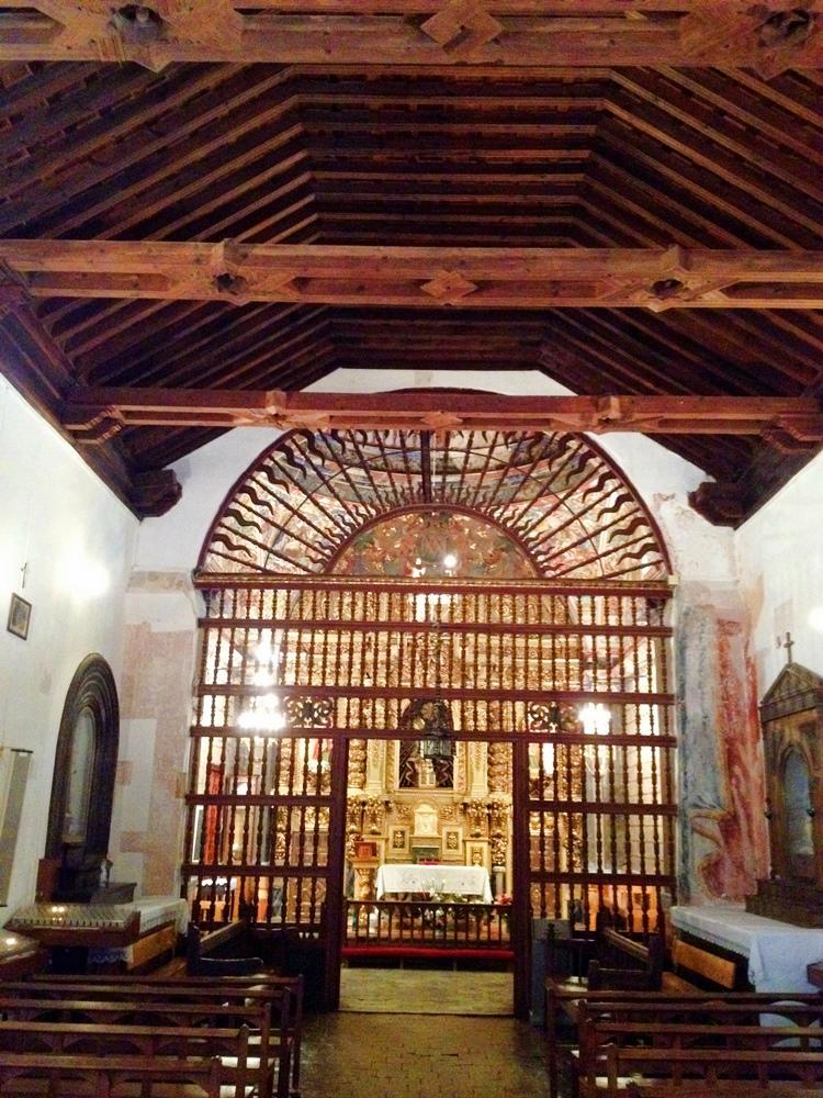 En el interior de la ermita