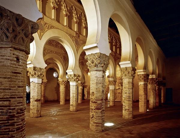 interior-catedral-toledo-tourism-spain-la-mancha-quijote