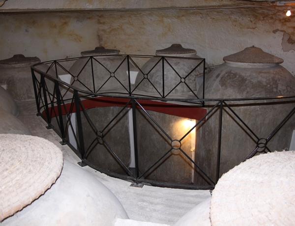 tinajas-cemento-cueva-tomelloso