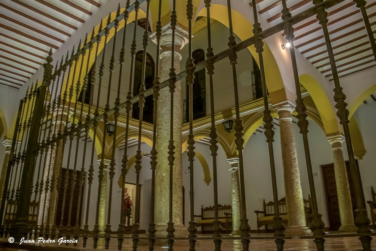 Patio de la casa de la iglesia de Santa Catalina. Autor, Juan Pedro García