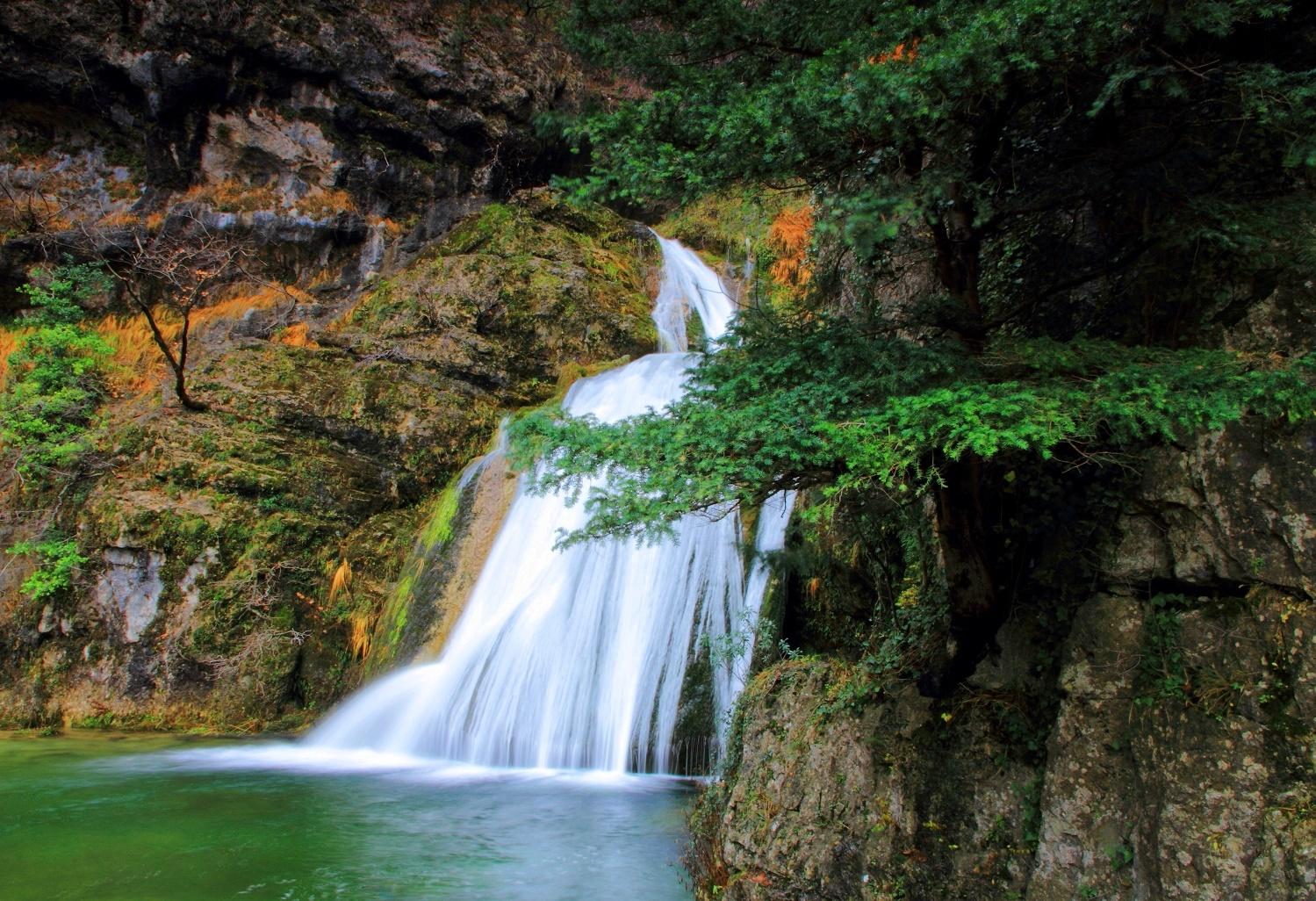 Cascada del río Mundo ecoturismo con SaberSabor Castilla La Mancha