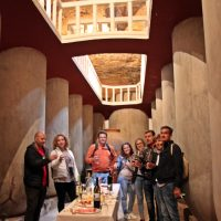 Degustacion de vinos en cueva bodega de Tomelloso