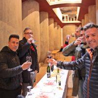 Degustacion de vinos y tapas en una cueva bodega de Tomelloso